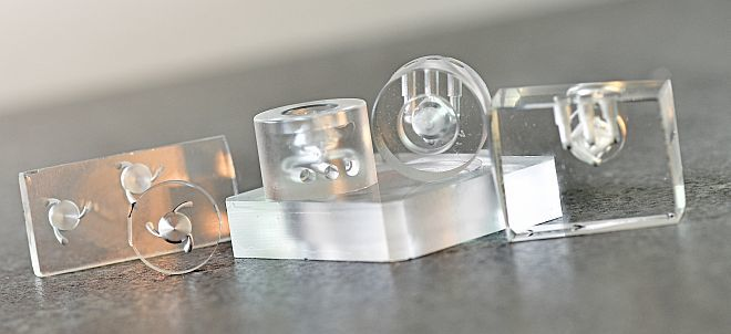 various 3D nozzles in quartz glass
